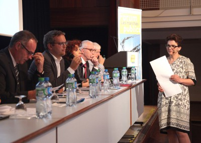 Forum MarchÇs publics250
